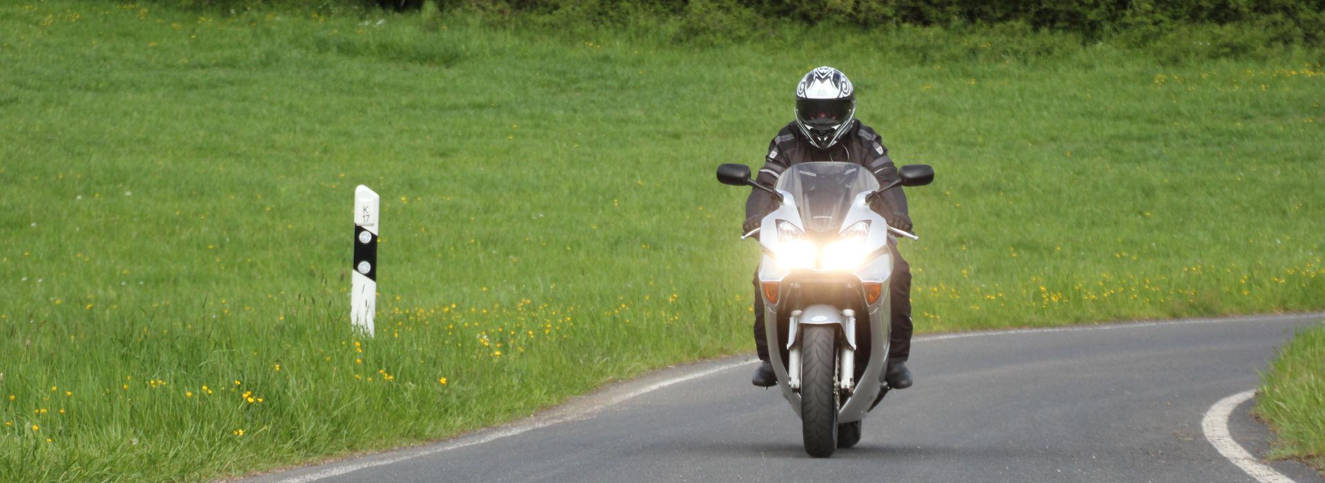 Motorrijbewijspoint Zwolle motorexamens AVB en AVD